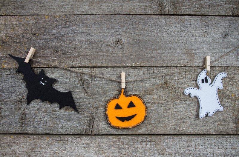 Zawieszki z filcu na halloween zabawy dla dzieci