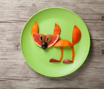 Baw się jedzeniem! Przepis na kotka z pomarańczy