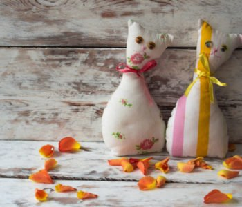 Kotek – zabawka, maskotka, przytulanka