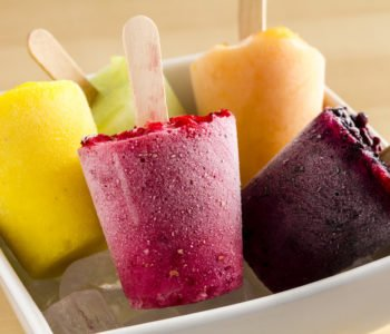 Przepis na zdrowe lody owocowe na patyku