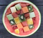 kolorowa sałatka z arbuza