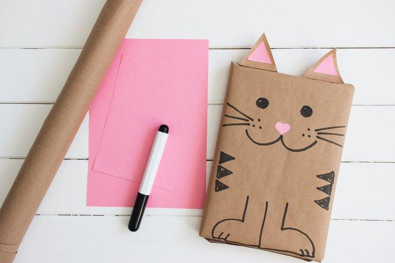 zabawne opakowanie prezentu - kotek