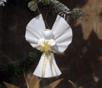 Błyszczący aniołek – ozdoba choinkowa
