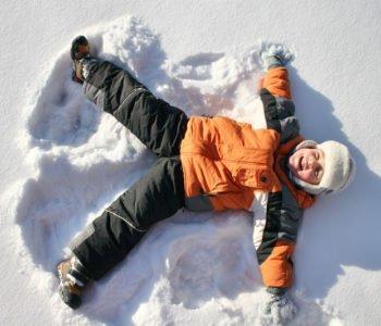 orzełek na śniegu zabawy na śniegu
