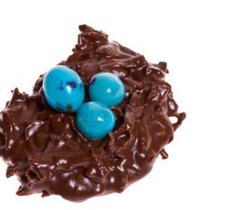 Przepis na słodkie gniazdko z jajeczkami