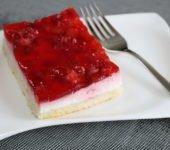Ciasto z galaretką i truskawkami przepis