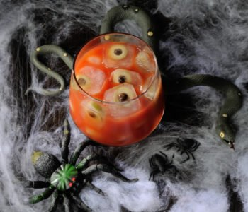 Przepis na sok pomidorowy z oczami – Halloween