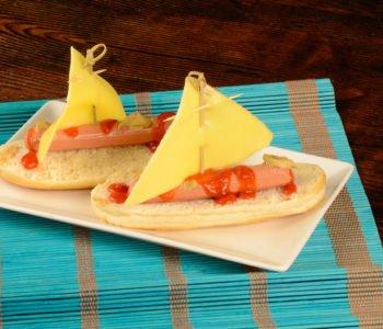 Przepis na łódki z hot doga i sera