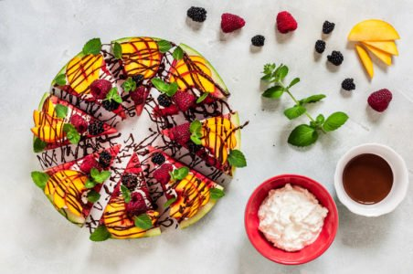 przepis na pizzę z owoców