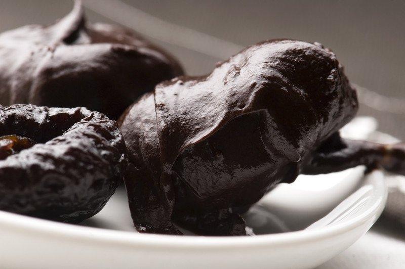 przepis na śliwki w czekoladzie