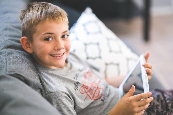 Jak wybrać bajki i gry komputerowe dla dziecka. Wartościowe bajki dla dzieci