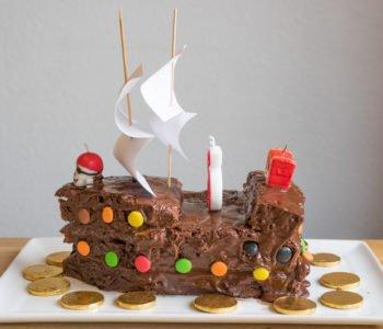 Przepisy na  piracki tort – okręt – pirackie urodziny dla dzieci