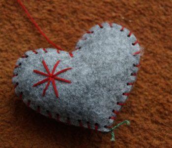 Jak zrobić serce z filcu