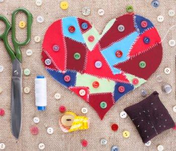 Serce z guzików walentykowe zabawy dla dzieci