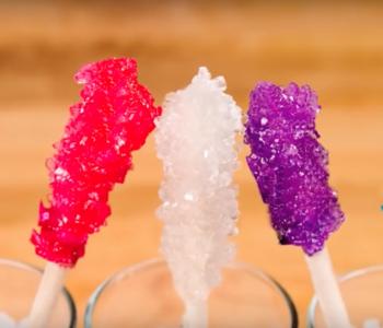 przepis na kryształy cukru na patyku