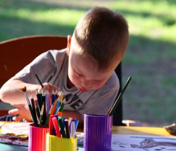 pixabay dziecko malowanie rysunek farby kredki