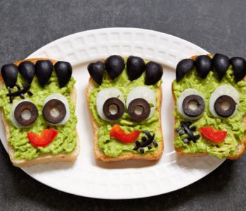 Przepis na straszne kanapki z awokado