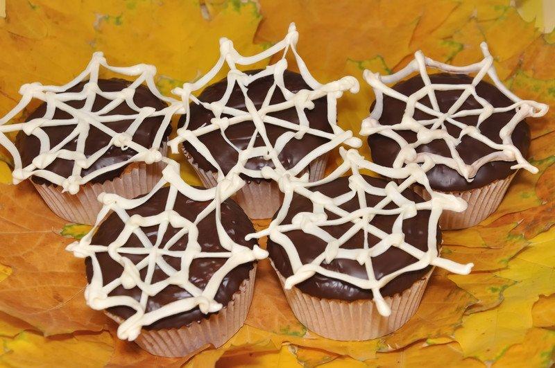 dyniowe muffinki z pajęczyną