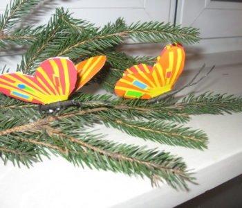 Dekoracja na choinkę – motylek