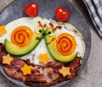 Przepis na walentynkowe śniadanie – zakochane ślimaczki