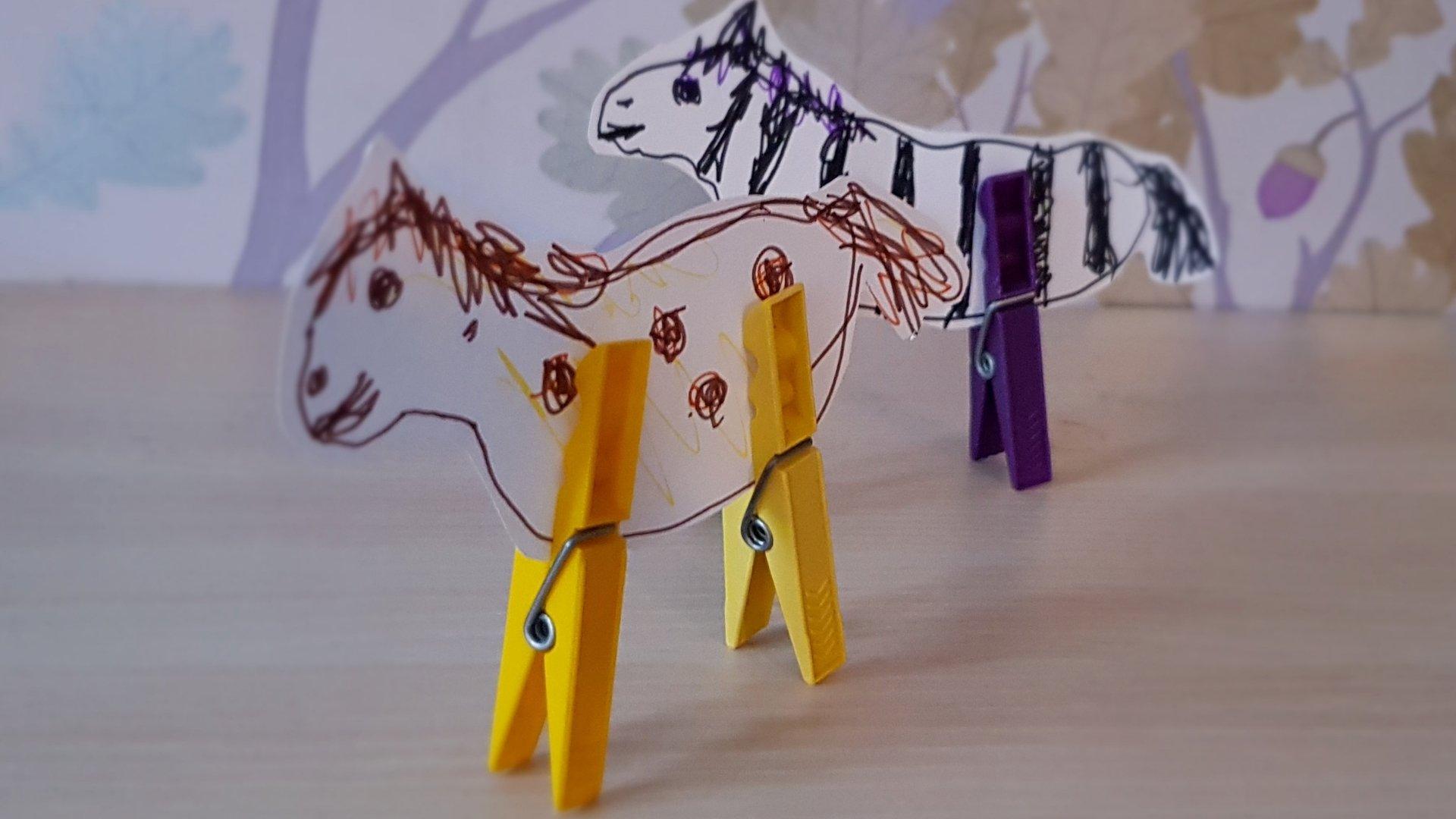 zebra i konik - zabawki ze spinaczy do bielizny