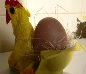 Podstawka na jajko z kurką