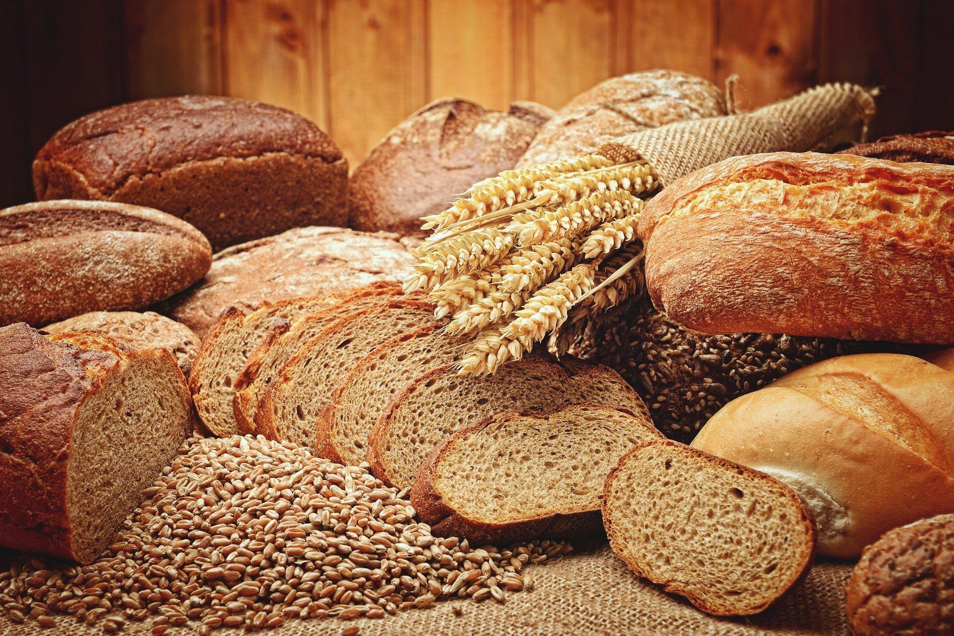 Mało nas do pieczenia chleba piosenka tekst i melodia
