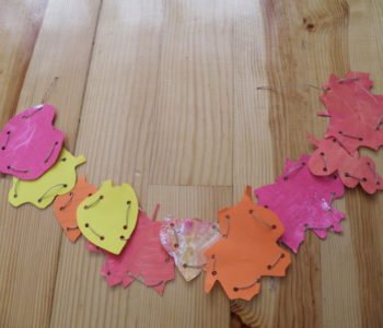 Kolorowe liście z papieru