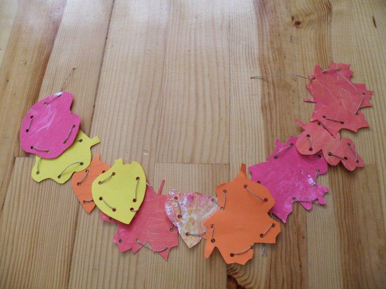 Kolorowe-liście-z-papieru