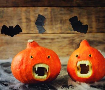 Dynia ze straszną szczęką na Halloween