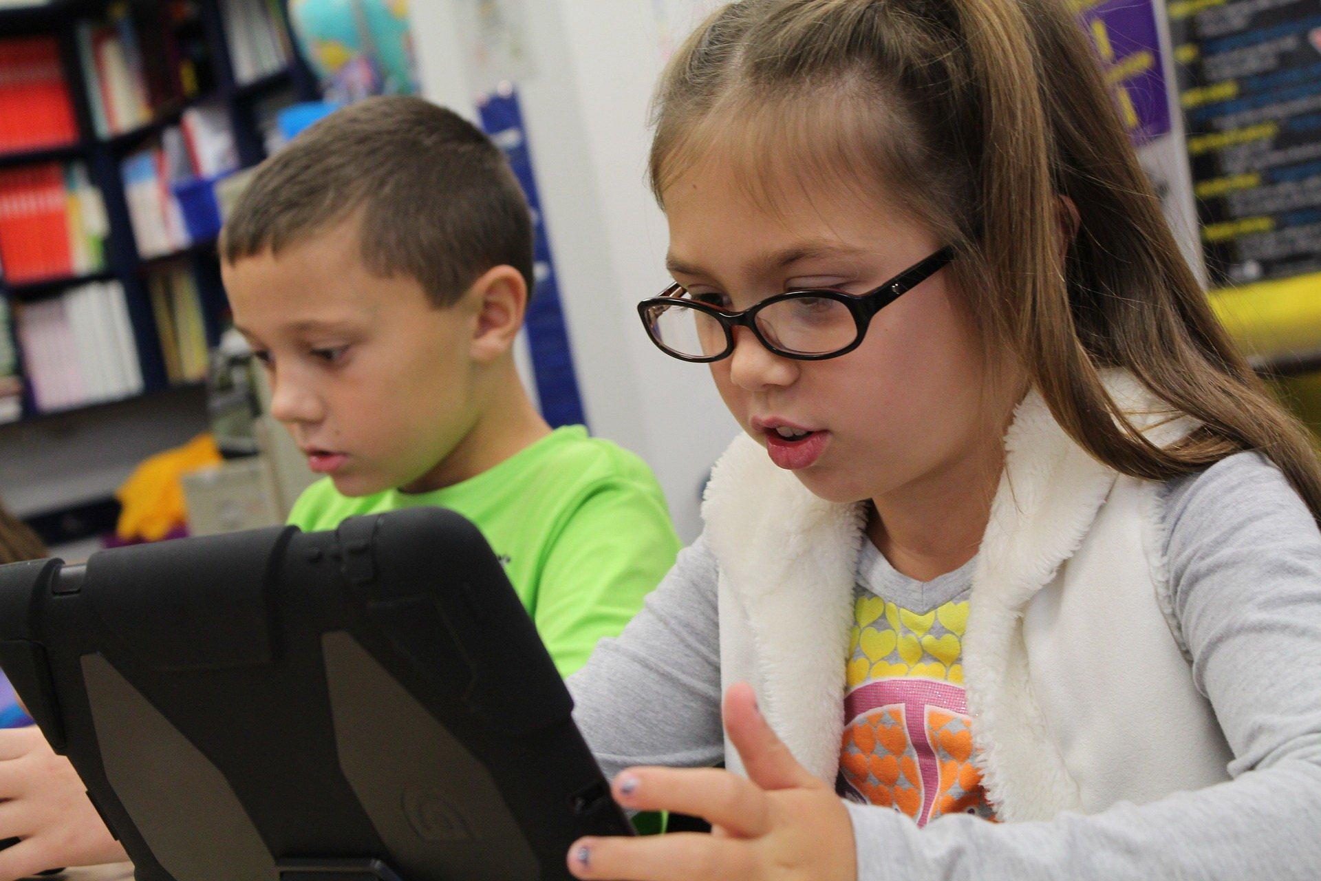 Dziecko i internet. Zagrożenia dziecka w sieci