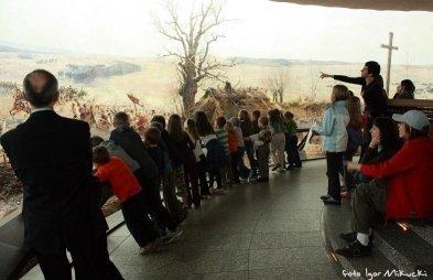 Zwiedzanie z lekkim zawrotem głowy, czyli rodzinna wizyta w Panoramie Racławickiej
