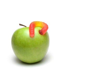 Robak w jabłku żart na prima aprilis dla dzieci