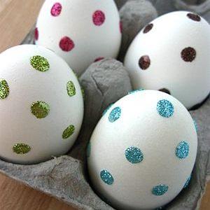 Jajka z brokatem
