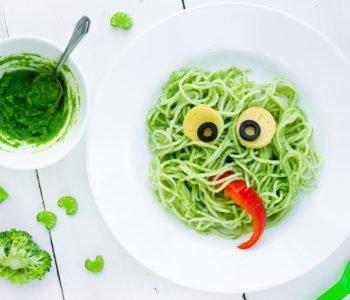 Przepis na zielony straszny makaron z brokułowym pesto