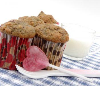 Przepis na wiśniowe muffinki z płatkami owsianymi