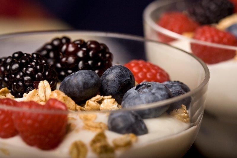 przepis na deser owocowo Smietankowy