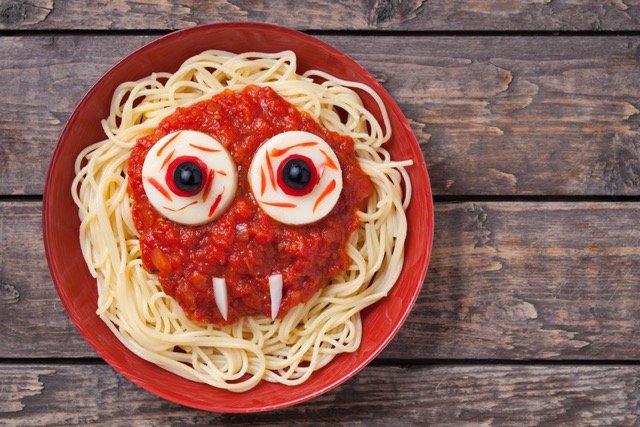 przepis na straszne spaghetti