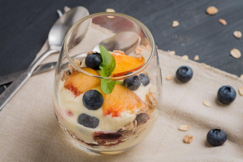 przepis na deser owocowy z mascarpone