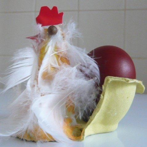 kura stojak na pisankę