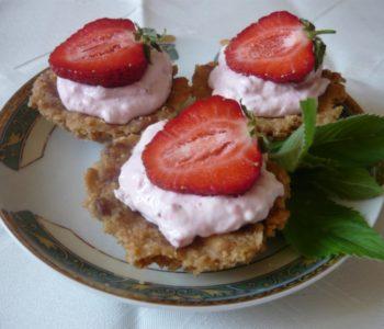 Szybkie, tanie i smaczne babeczki truskawkowe