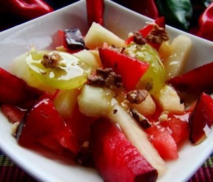 Owocowa sałatka z miodem