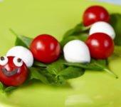 przepis na sałatkę z pomidorów i mozzarelli