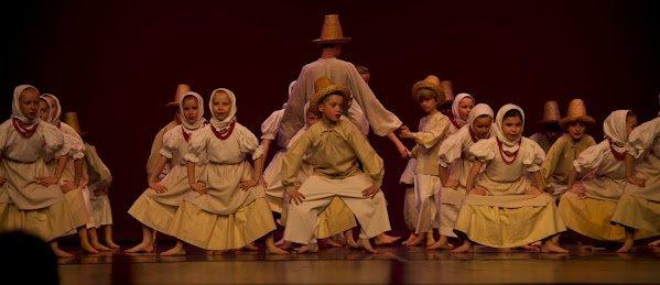 Nabór tancerzy w szeregi Harnama