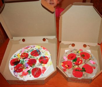 Pyszna pizza z plasteliny – zabawa plastyczna