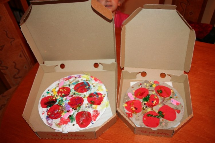 Pizza-z-plasteliny