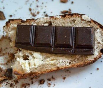 Czekolada w diecie dziecka, czy dawać dzieciom czekoladę. Porady dietetyka