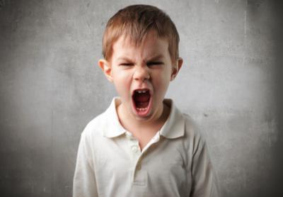 Mały buntownik, czyli o tym jak radzić sobie z wybuchami złości u dziecka?