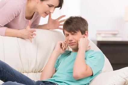 Kłótnia z nastolatkiem.