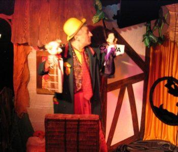 Spektakl-teatralny-dla-dzieci-Sto-bajek